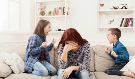 Wie man Eltern in Stresssituationen unterstützen kann: 4 Tipps, wie Eltern weniger gestresst sind